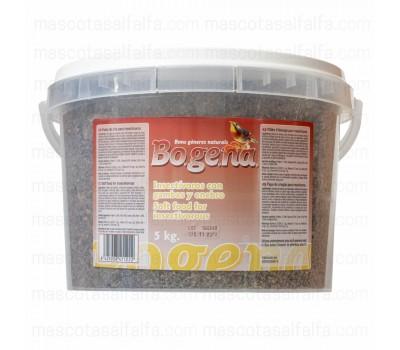 Pasta Bogena insectívoro con gambas y enebro
